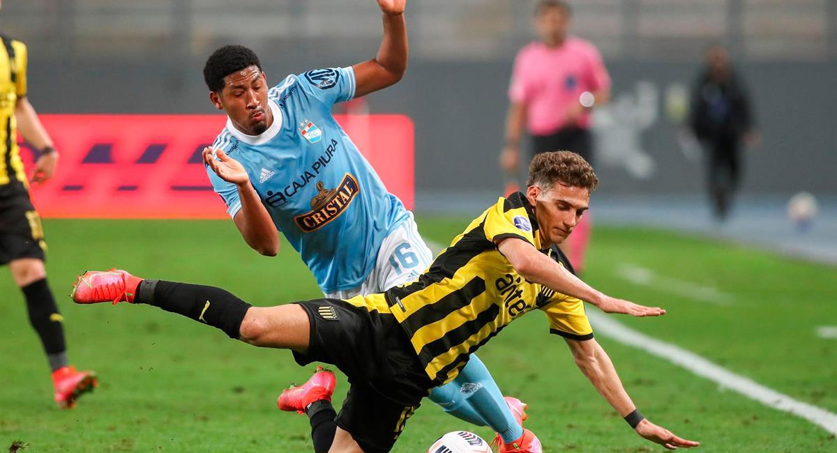 Cristal visitará a Peñarol por la Sudamericana. Foto: EFE