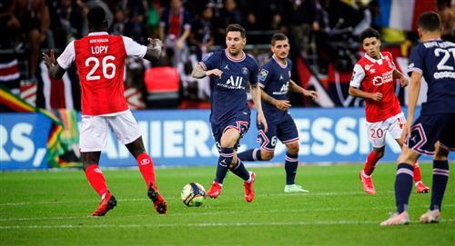Doblete de Mbappé en el debut de Messi con PSG