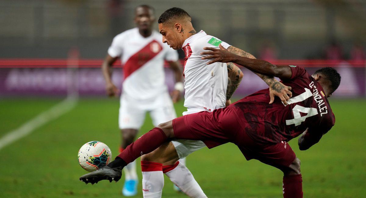 Paolo Guerrero no podrá actuar en el partido ante Brasil. Foto: EFE