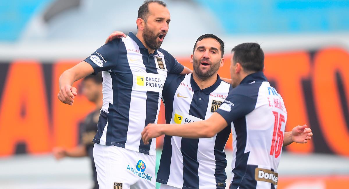 Hernán Barcos fue la figura de Alianza Lima con un 'doblete'. Foto: FPF