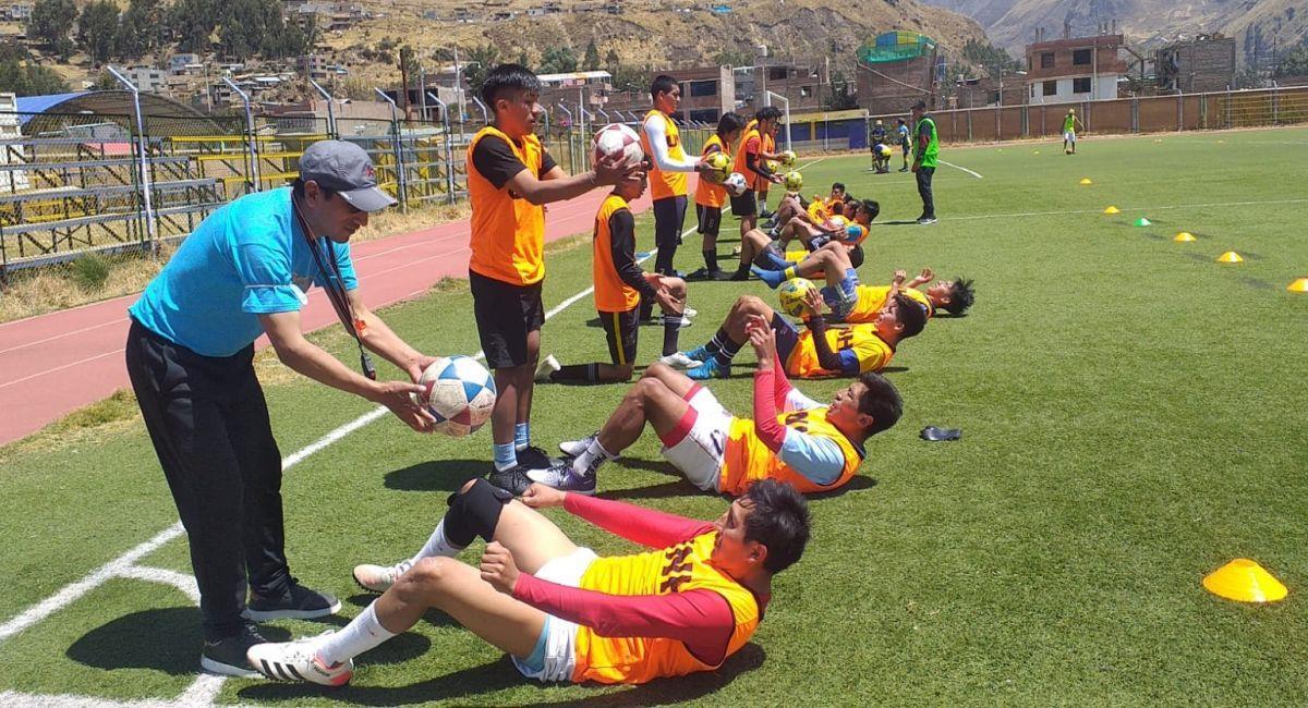 La Universidad Nacional de Huancavelica se alista para la Copa Perú. Foto: Facebook