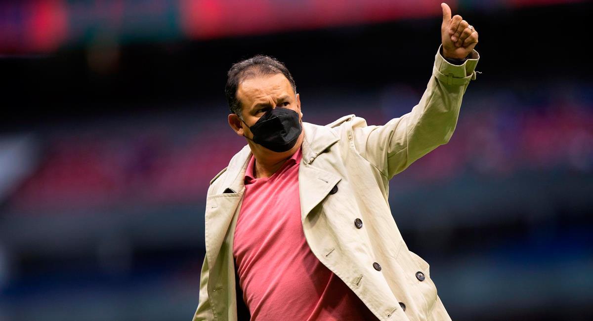 Juan Reynoso mostró tranquilidad por volver a la victoria con Cruz Azul. Foto: EFE