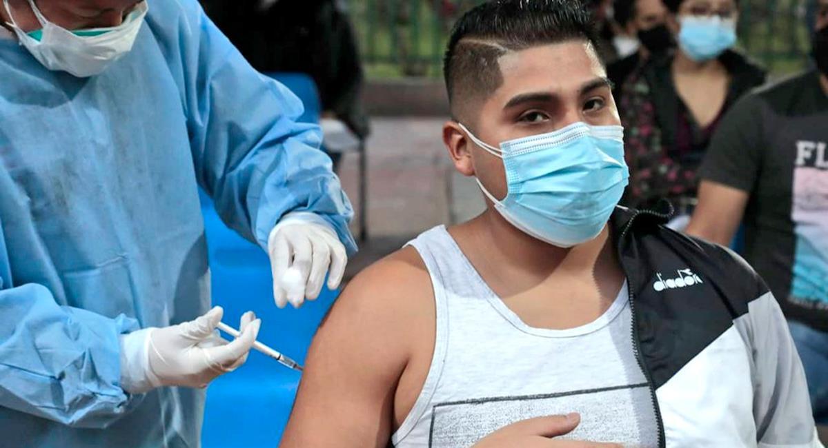Este martes inicia vacunación a jóvenes de 23 años. Foto: Twitter @Minsa_Peru