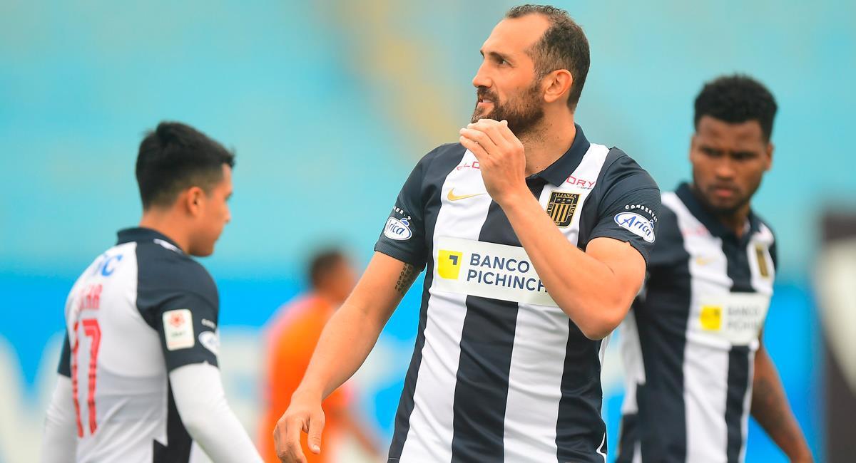 Hernán Barcos se quedaría en Alianza Lima en el 2022. Foto: FPF
