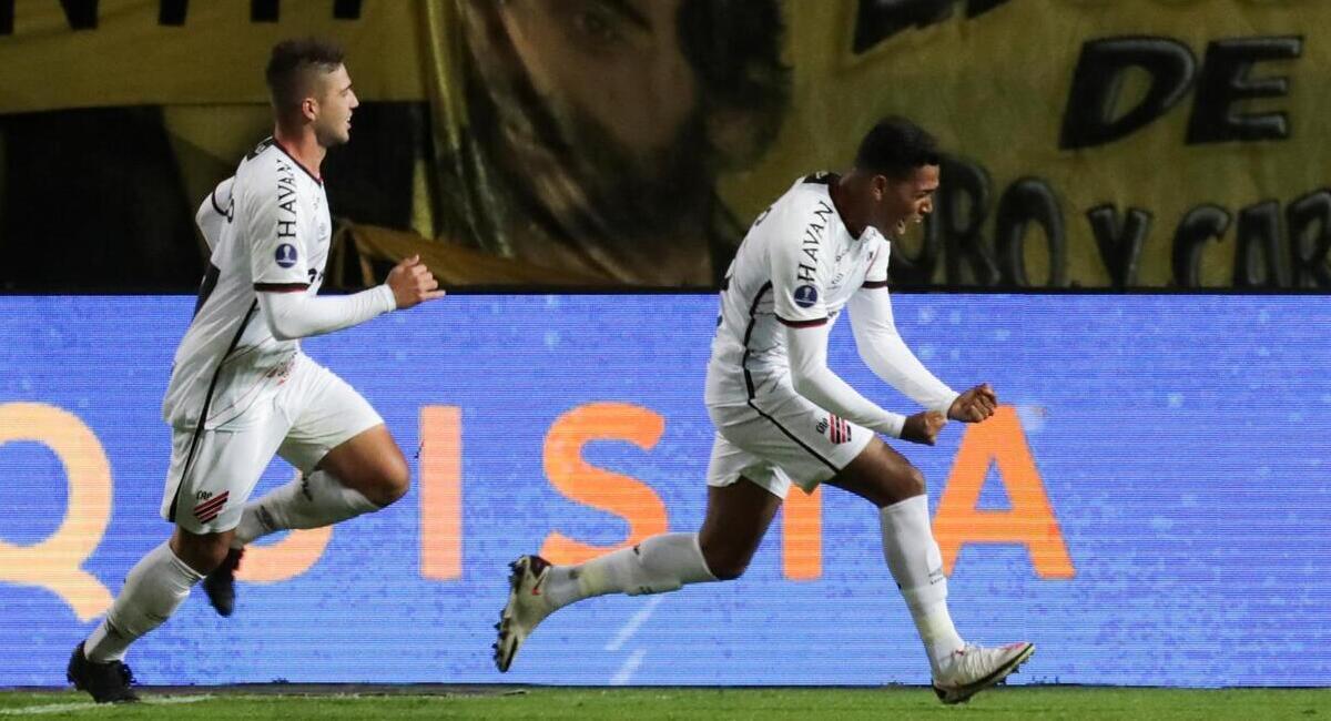 Paranaense ganó en Uruguay. Foto: EFE