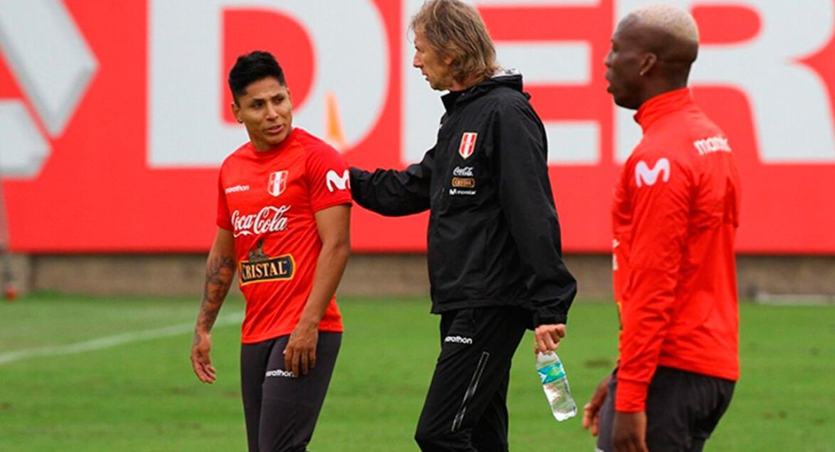Ricardo Gareca defendió a Raúl Ruidíaz de críticas por su falta de gol. Foto: Twitter