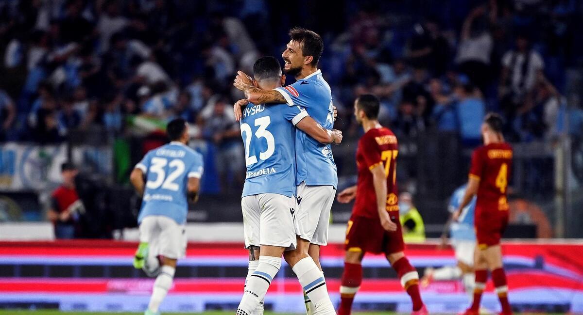 Lazio derrotó a Roma. Foto: EFE