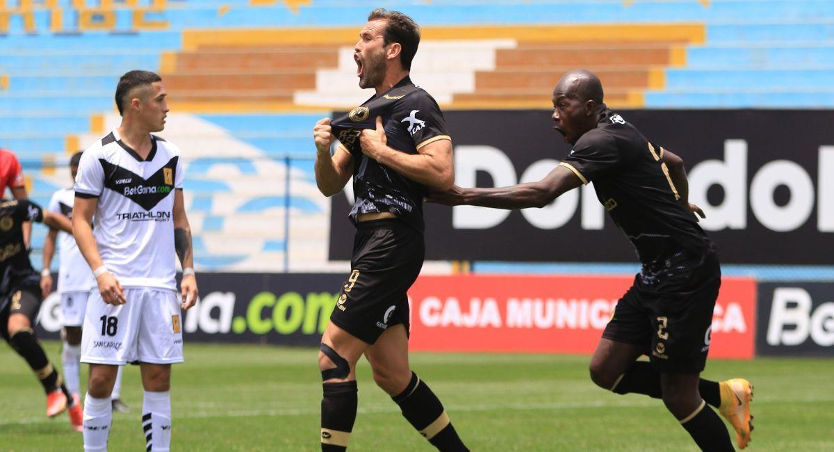 Cusco FC sigue luchando por salvar la categoría. Foto: FPF