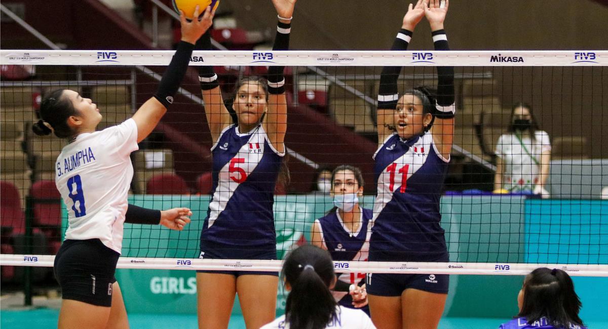 Perú no pudo con Tailandia este lunes. Foto: Twitter @volleyballworld