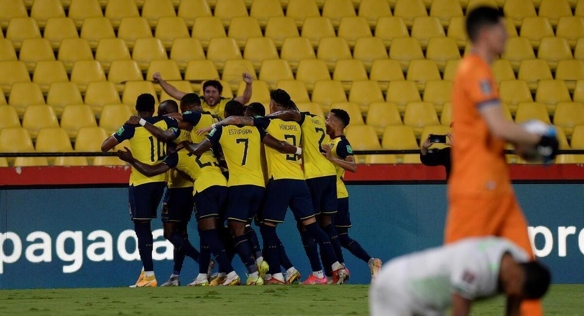 Ecuador goleó a Bolivia y trepó al tercer lugar de las Eliminatorias Qatar  2022